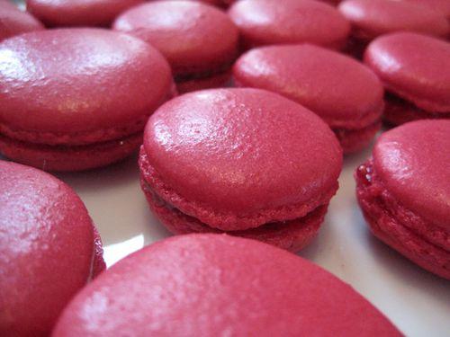 Macarons-framboises-plaques-fournee