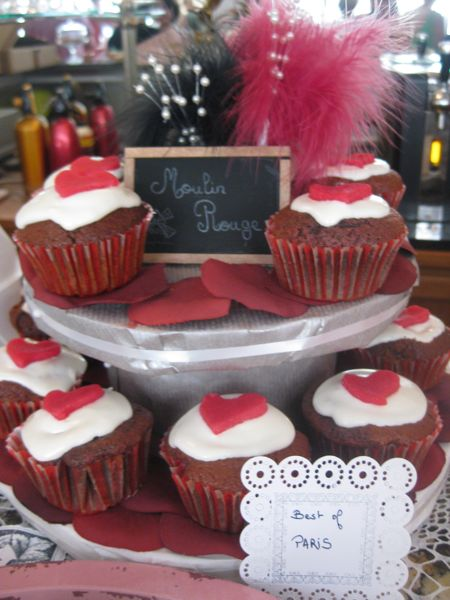 CupcakeCamp-moulin-rouge