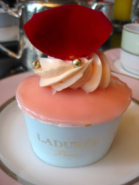 Cupcake-laduree-rose