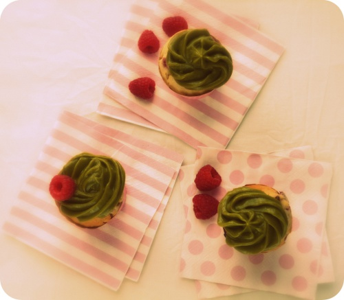 Cupcakes-framboises-pistache-3