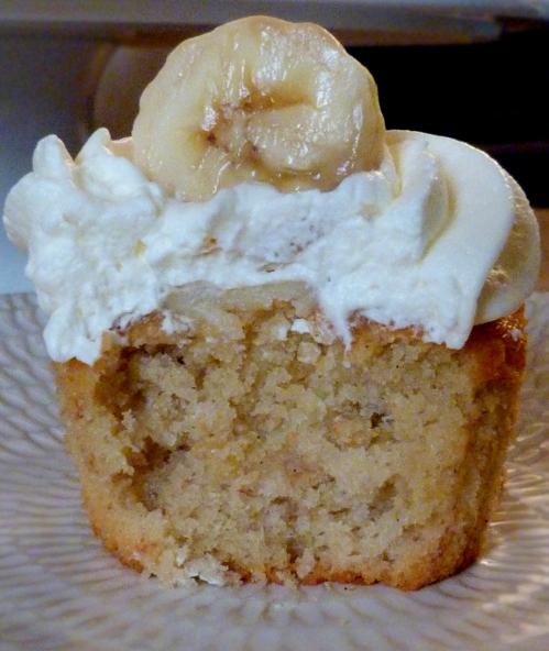 Banana-cupcakes11