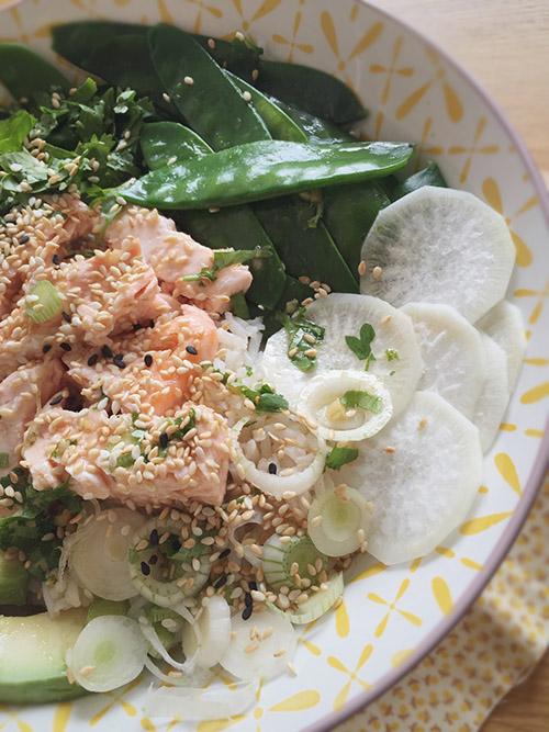Poke-bowl-saumon1